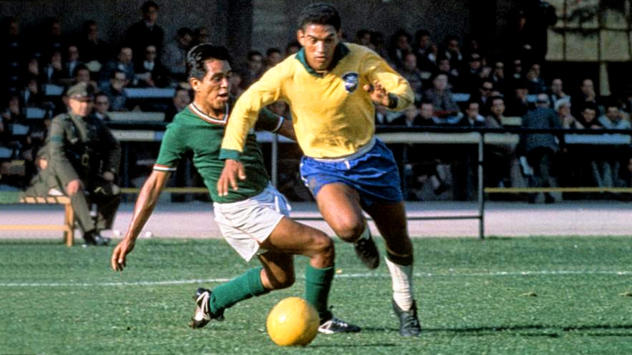 Top những huyền thoại bóng đá Brazil làm điên đảo trời Âu một thời