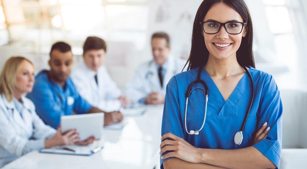 Điều dưỡng có phải là bác sĩ không?