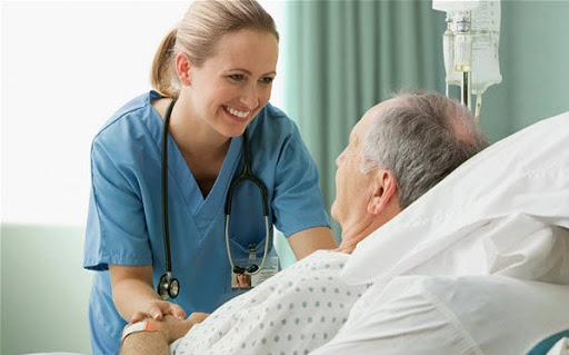 Điều dưỡng có phải bác sĩ không?